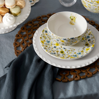 set-whimiscal-easter-table-1