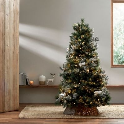 decorate-a-bbnt-christmas-tree-4