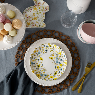 set-whimiscal-easter-table-4