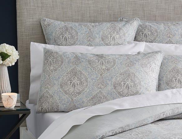 https://s3-ap-southeast-2.amazonaws.com/fusionfactory.commerceconnect.bbnt.production/pim_media/000/054/031/CH-Avoca-Pillows.jpg?1583813238