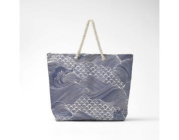 https://s3-ap-southeast-2.amazonaws.com/fusionfactory.commerceconnect.bbnt.production/pim_media/000/068/544/M_F-Atami-Tote-w-Rope-Handles-Navy-Ivory-20216701.jpg?1598506090