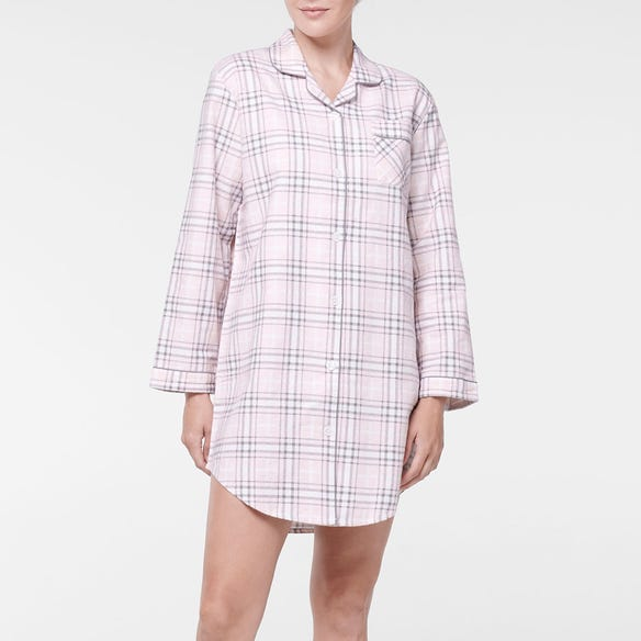 https://s3-ap-southeast-2.amazonaws.com/fusionfactory.commerceconnect.bbnt.production/pim_media/000/107/385/M_F-Checkmate-Flannel-Night-Shirt-Blush-214138-R-Front.jpg?1615771855
