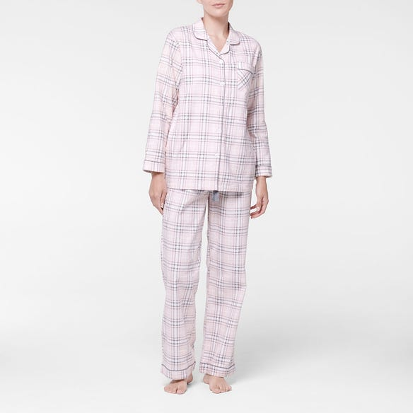 https://s3-ap-southeast-2.amazonaws.com/fusionfactory.commerceconnect.bbnt.production/pim_media/000/107/401/M_F-Checkmate-Flannel-PJs-Blush-214132-R-Front.jpg?1615772249