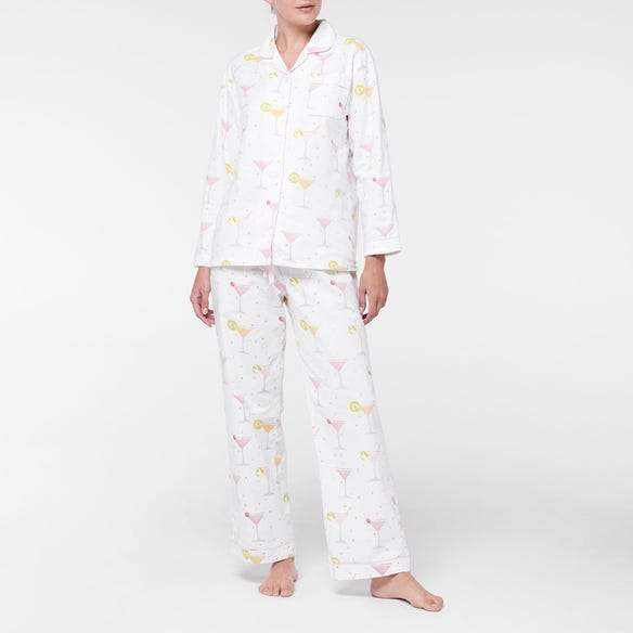 https://s3-ap-southeast-2.amazonaws.com/fusionfactory.commerceconnect.bbnt.production/pim_media/000/107/409/M_F-Cocktails-Flannel-PJs-White-Multi-214147-R-Front.jpg?1615772542