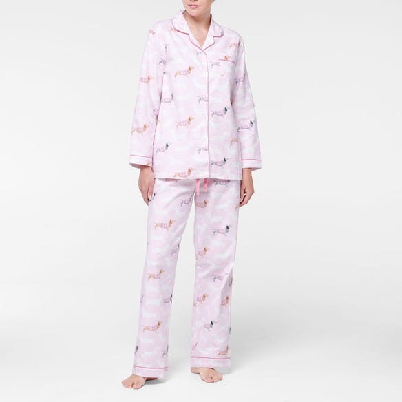 https://s3-ap-southeast-2.amazonaws.com/fusionfactory.commerceconnect.bbnt.production/pim_media/000/107/459/M_F-Dachsie-Flannel-PJs-Pink-214125-R-Front.jpg?1615778539