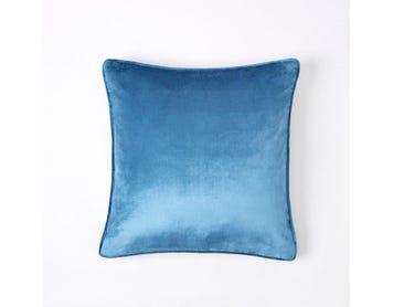 https://s3-ap-southeast-2.amazonaws.com/fusionfactory.commerceconnect.bbnt.production/pim_media/000/060/043/M_F-Margot-Velvet-Cushion-50x50cm-Petrol-Blue.jpg?1591142066