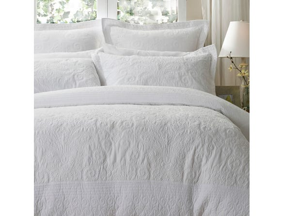 https://s3-ap-southeast-2.amazonaws.com/fusionfactory.commerceconnect.bbnt.production/pim_media/000/054/095/M_F-Rosato-Pillows.jpg?1583884683