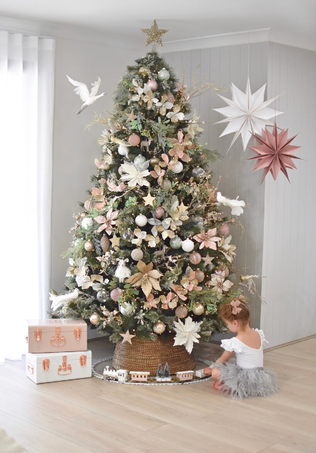decorate-christmas-tree-4