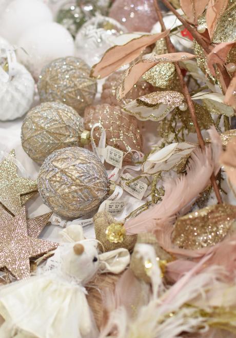decorate-christmas-tree-1