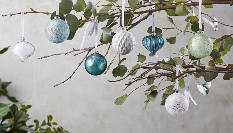 3 Awe-Inspiring Ways to Decorate for Christmas Image 02