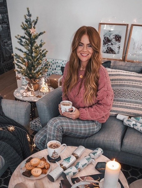 Christmas Styling Inspo: 3 Ways to Decorate a Tree Image 07