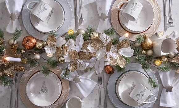 Set an elegant Christmas table